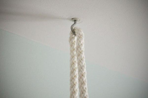 Alcayatas con la cuerda.