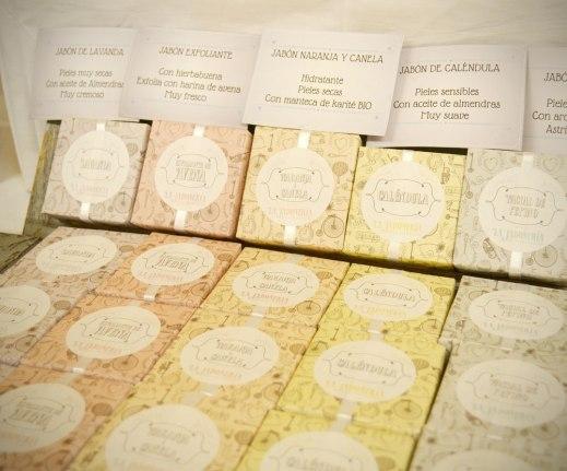 Jabones artesanos con diferentes olores y propiedades.